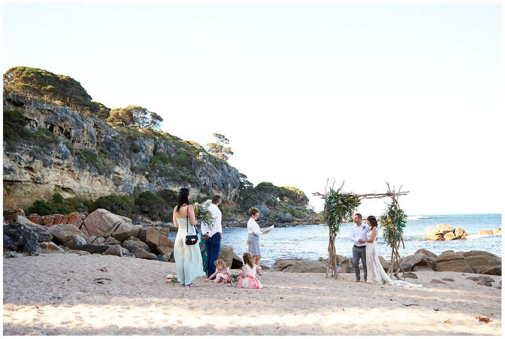 https://www.lovebirdceremonies.com.au/wp-content/uploads/2020/07/1.-Shelley-Beach-Eva-Rene.jpg