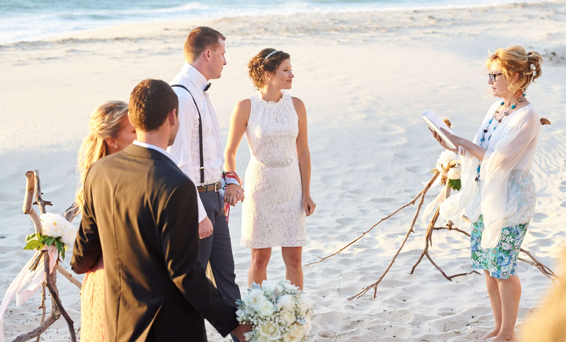 https://www.lovebirdceremonies.com.au/wp-content/uploads/2020/07/Committment-Ceremony.jpg