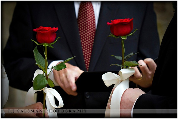 https://www.lovebirdceremonies.com.au/wp-content/uploads/2020/07/Rose-Flower-Ceremony.jpg
